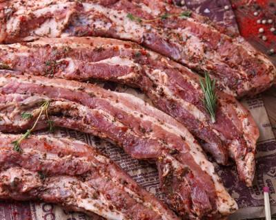 Грудинка свиная маринованная с паприкой